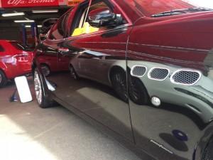 出張修理の同行で高級車の修理等も見て頂けます。